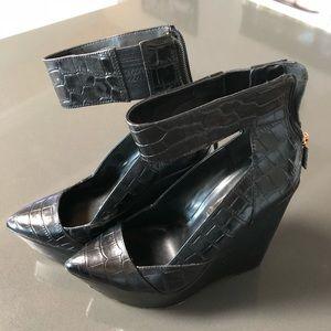 BCBG Crocodile style platforms shoes